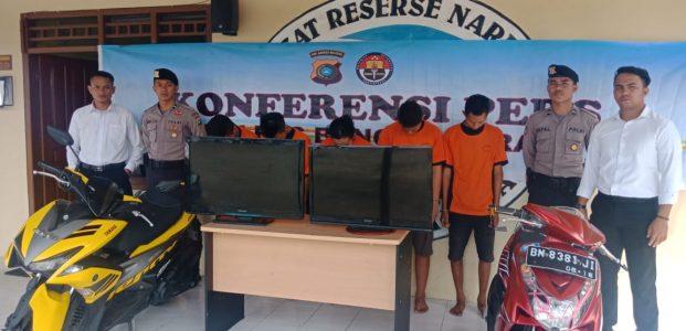 Konfrensi Pers Polres Babar Sat Reskrim Ungkap 2 Kasus Pencurian Sekaligus