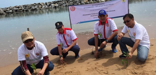 Ernawan Rebuin ajak masyarakat Desa Penyak tanam Mangrove