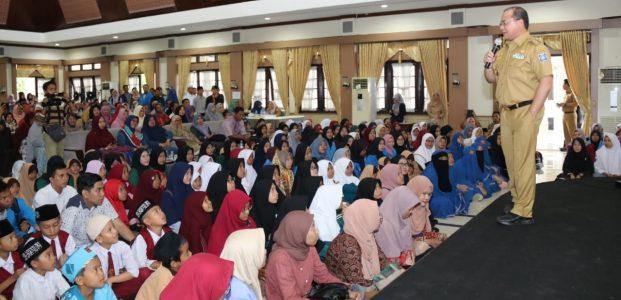 Salurkan Beasiswa 577 Orang, Pemprov Anggarkan Rp 18 Miliar