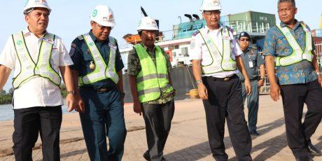 Wagub Babel Dampingi Komisi V DPR Tinjau Kondisi Pelabuhan